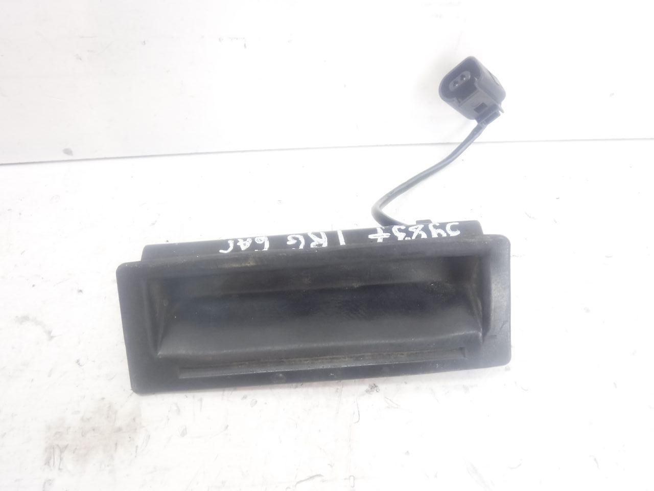 Кнопка открывания багажник